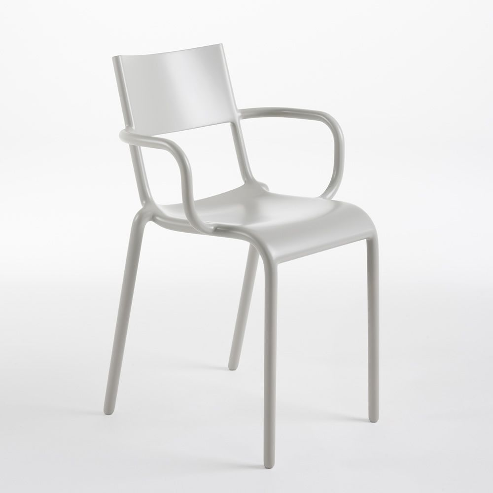 kartell generic a sedia grigia